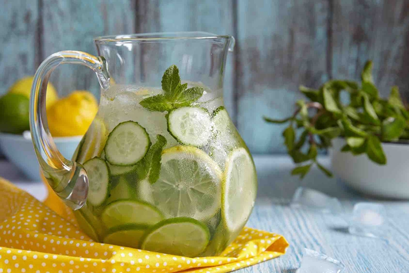 I am in love with summer. What's you like drinking this summer? How about the lemon water?